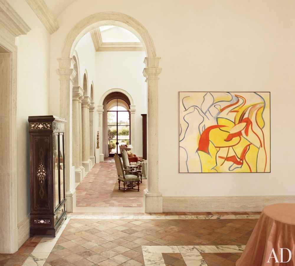 Traditional Entrance Hall by Atelier AM and William Hablinski Architect in Las Vegas, Nevada