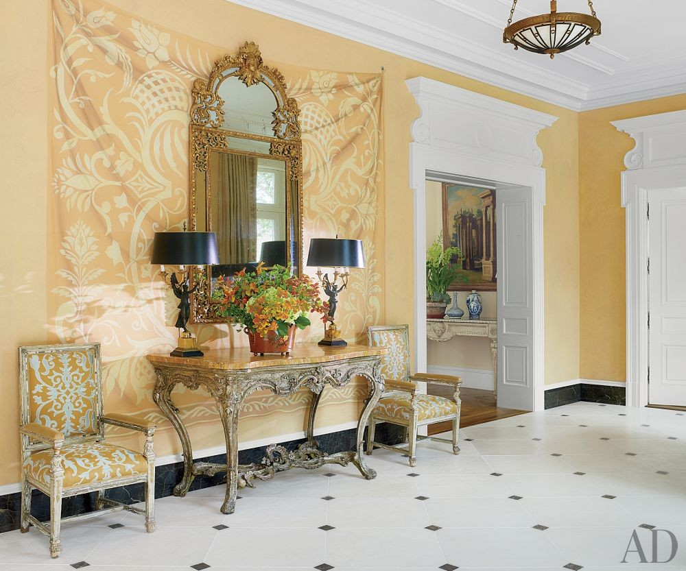 Traditional Entrance Hall by Bunny Williams Inc. and 3north in Richmond, Virginia