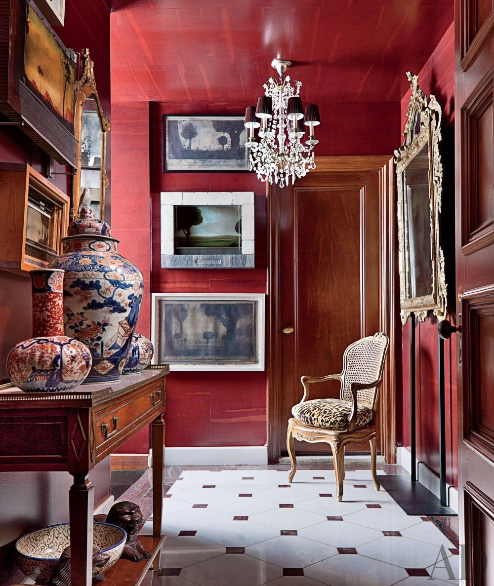 Traditional Entrance Hall by John Yunis Ltd. and Cicognani Kalla Architect in New York, New York