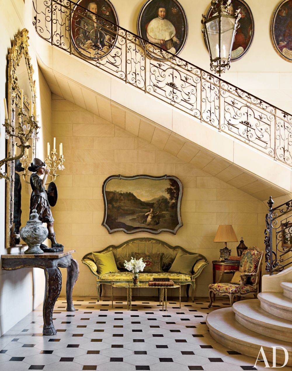 Traditional Entrance Hall by Kara Childress Inc. and Newberry Campa Architects in Houston, Texas