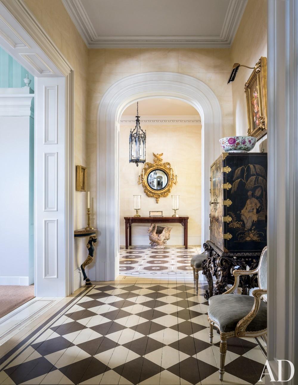 Traditional Entrance Hall by Mario Buatta in Charleston, South Carolina