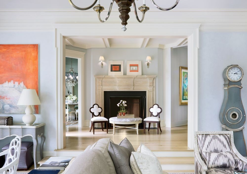 Traditional Entrance Hall by Mark Hampton LLC and Ike Kligerman Barkley Architects in Fairfield County, Connecticut