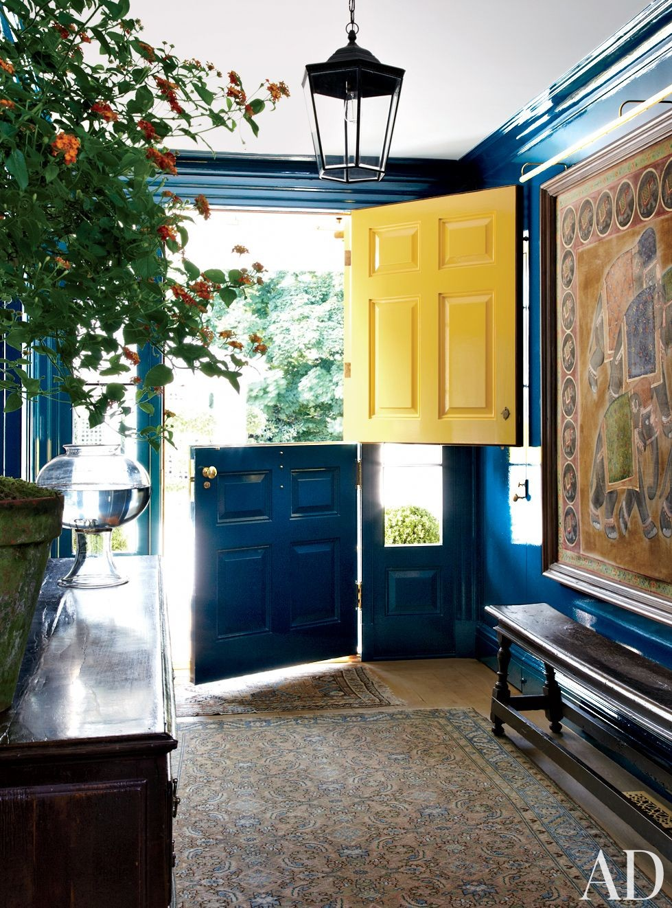 Traditional Entrance Hall by Miles Redd and Knight Architecture in Greenwich, Connecticut