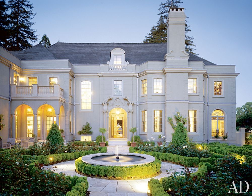Traditional Exterior by Barbara Barry and Albert Farr in Piedmont, California