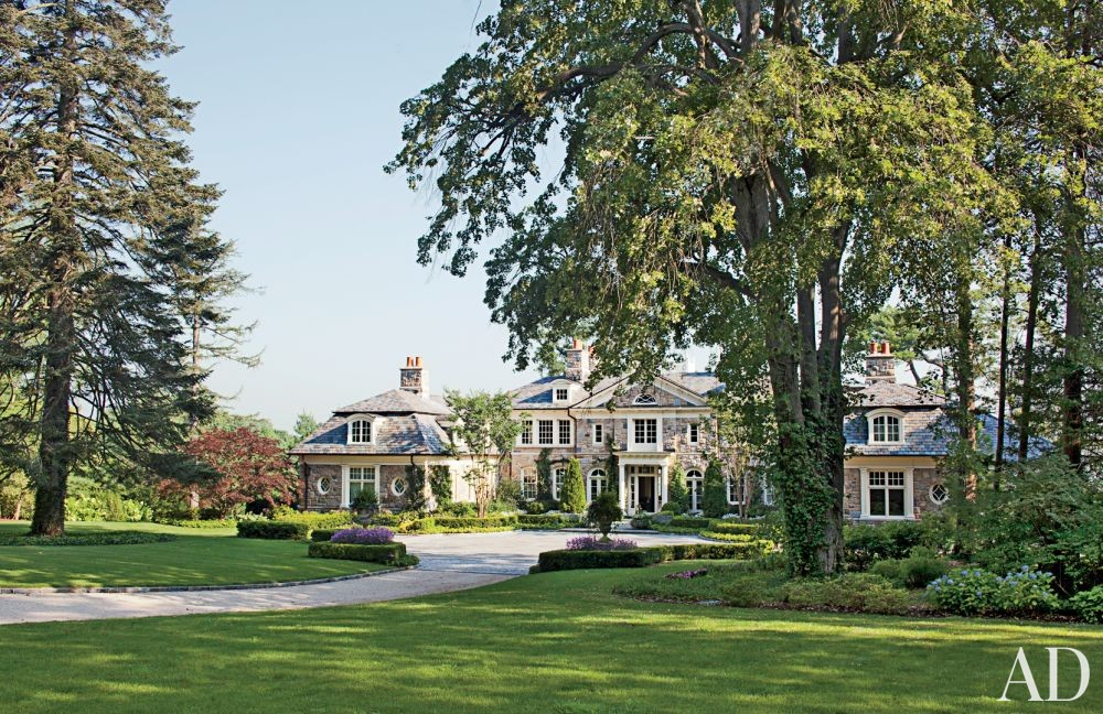 Traditional Exterior by Gomez Associates Inc. and Kean Williams Giambertone in Long Island, New York