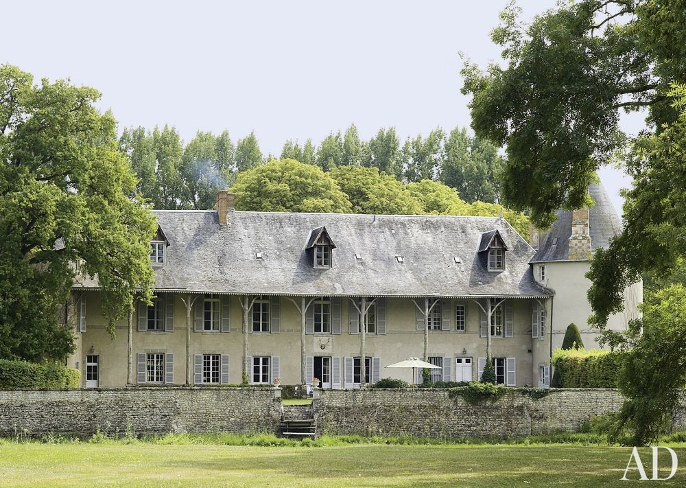 Traditional Exterior by Mlinaric, Hernry & Zervudachi in La Beauce, France