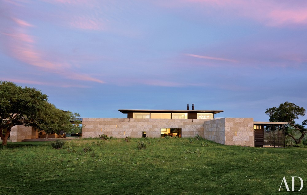 Traditional Exterior by Sara Story and Lake|Flato in Hill Country, Texas