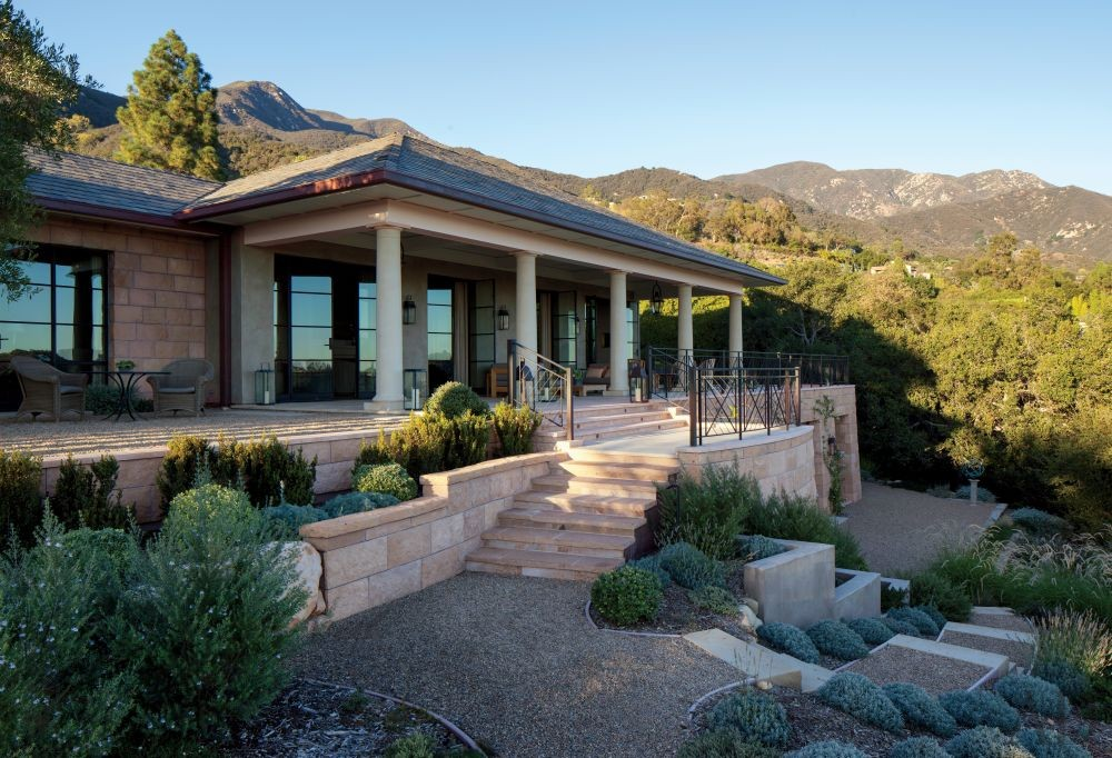 Traditional Exterior by Suzanne Rheinstein & Assoc. and Manson-Hing Architecture in Montecito, California