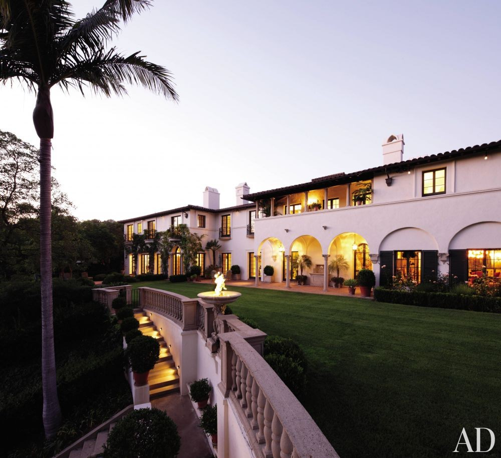 Traditional Exterior by Windsor Smith and Marc Appleton in Los Angeles, California