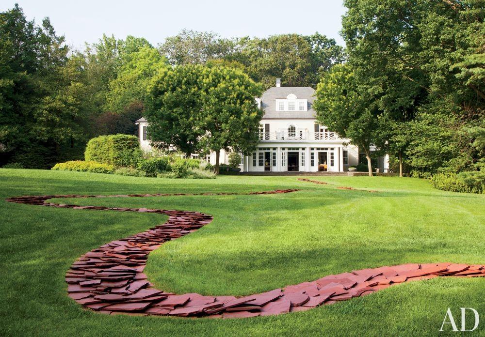 Traditional Garden by Jayne Design Studio Inc. in Philadelphia