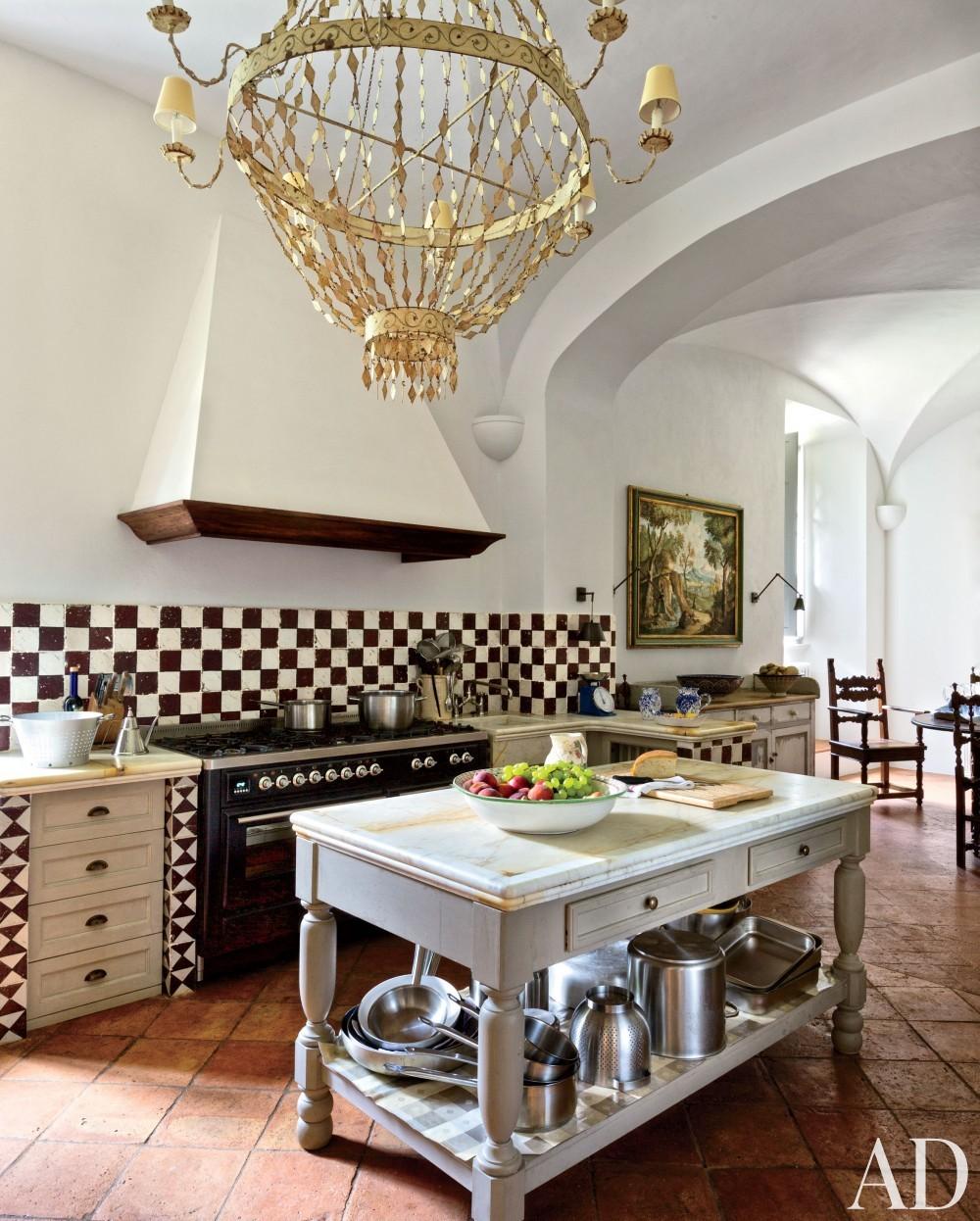 Traditional Kitchen by Camilla Guinness and Bolko von Schweinichen in Tuscany, Italy