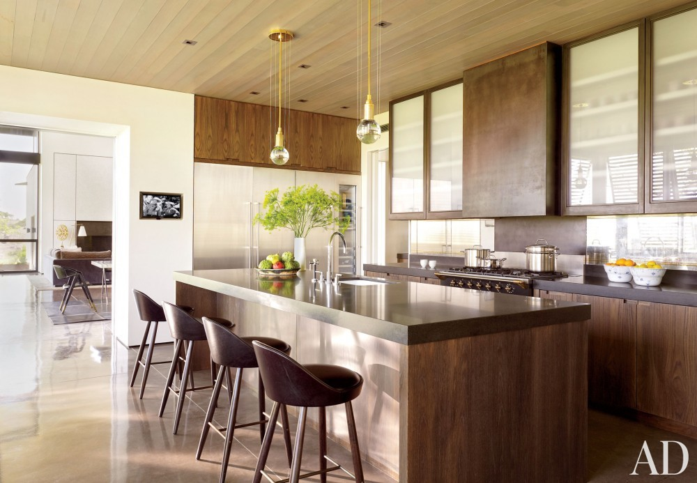 Traditional Kitchen by Sara Story and Lake|Flato in Hill Country, Texas