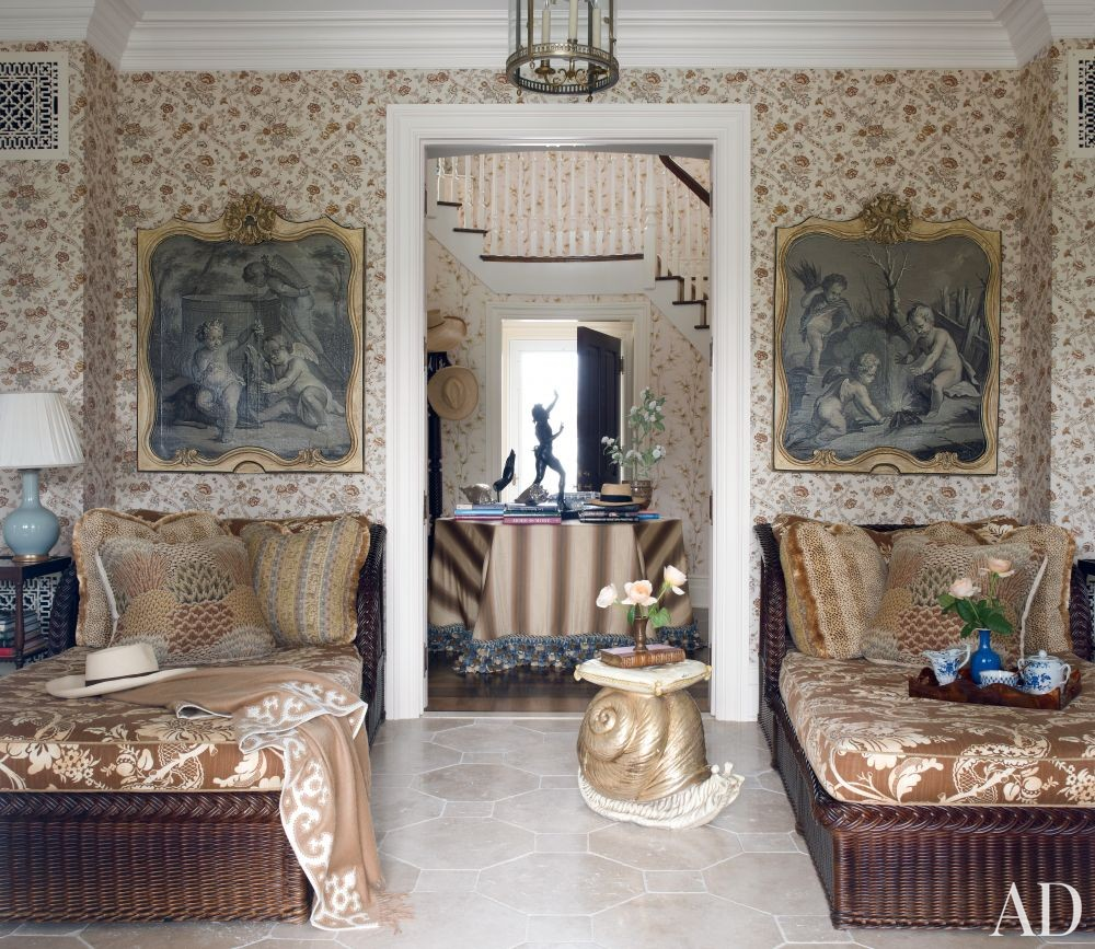 Traditional Living Room by Alex Papachristidis in Bridgehampton, New York