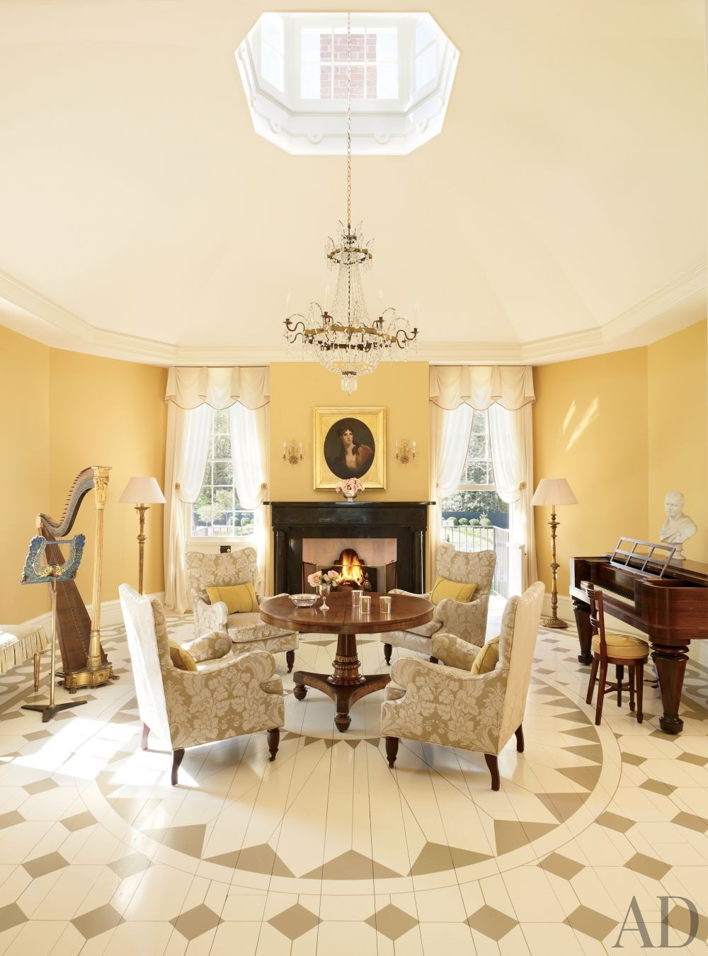 Traditional Living Room by Amelia T. Handegan Inc. and Tidewater Preservation Inc. in Rappahannock Valley, Virginia