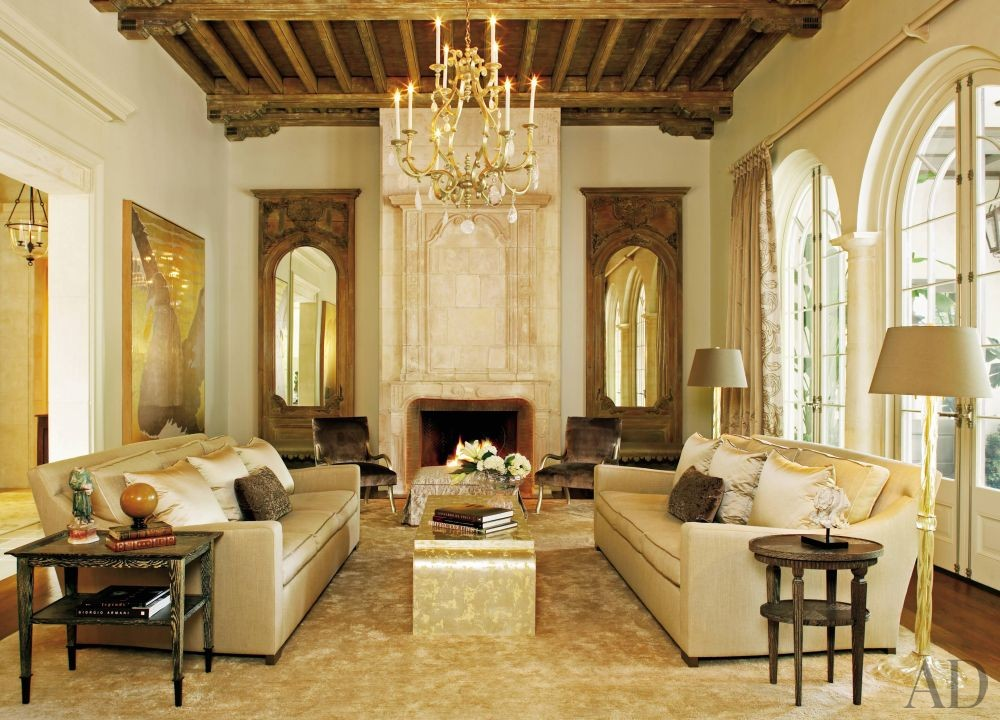 Traditional Living Room by Ann Holden and Ken Tate in Southeastern U.S.