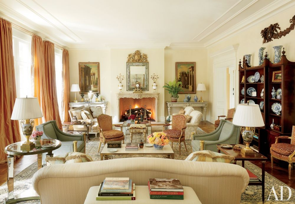 Traditional Living Room by Bunny Williams Inc. and 3north in Richmond, Virginia