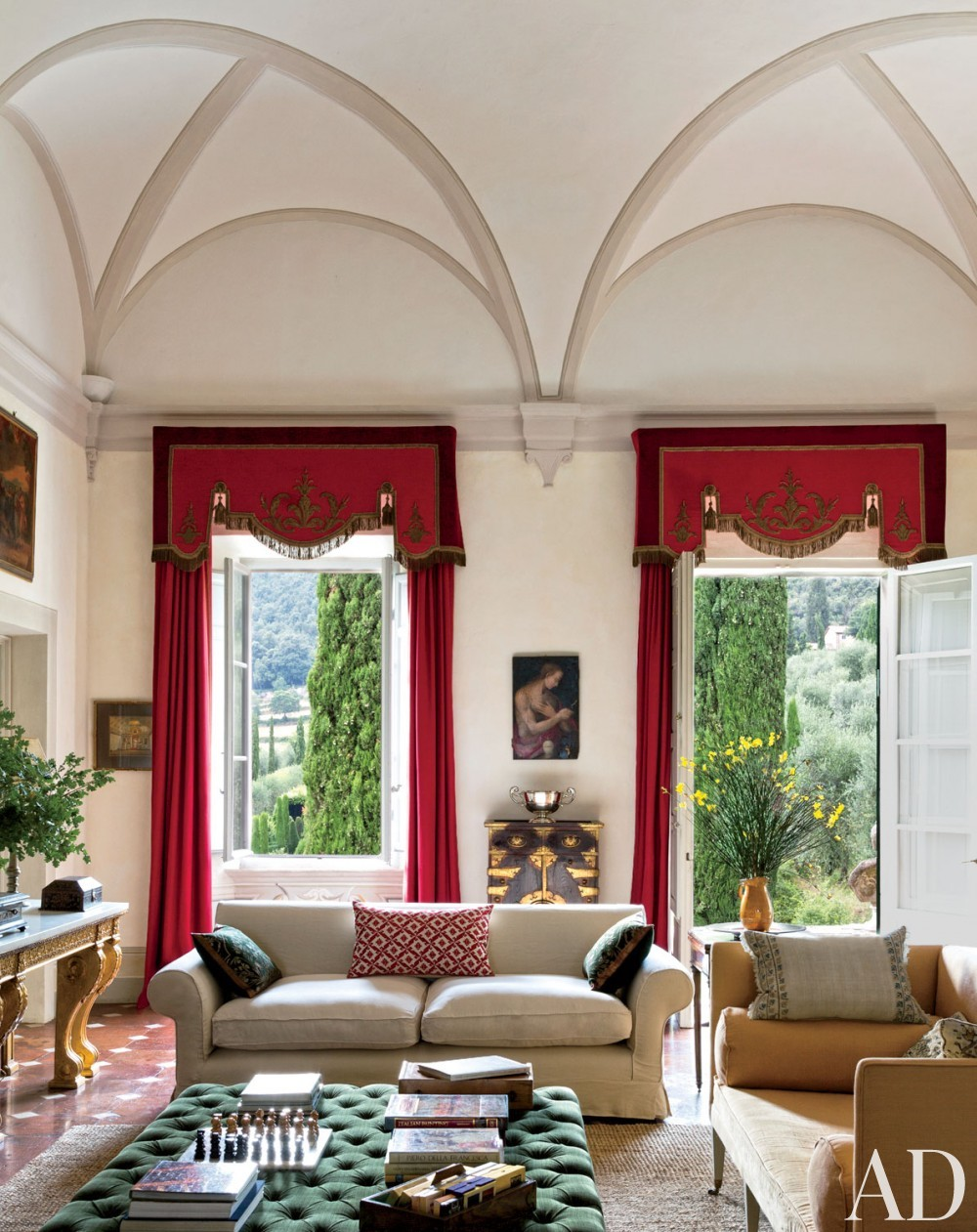 Traditional Living Room by Camilla Guinness and Bolko von Schweinichen in Tuscany, Italy