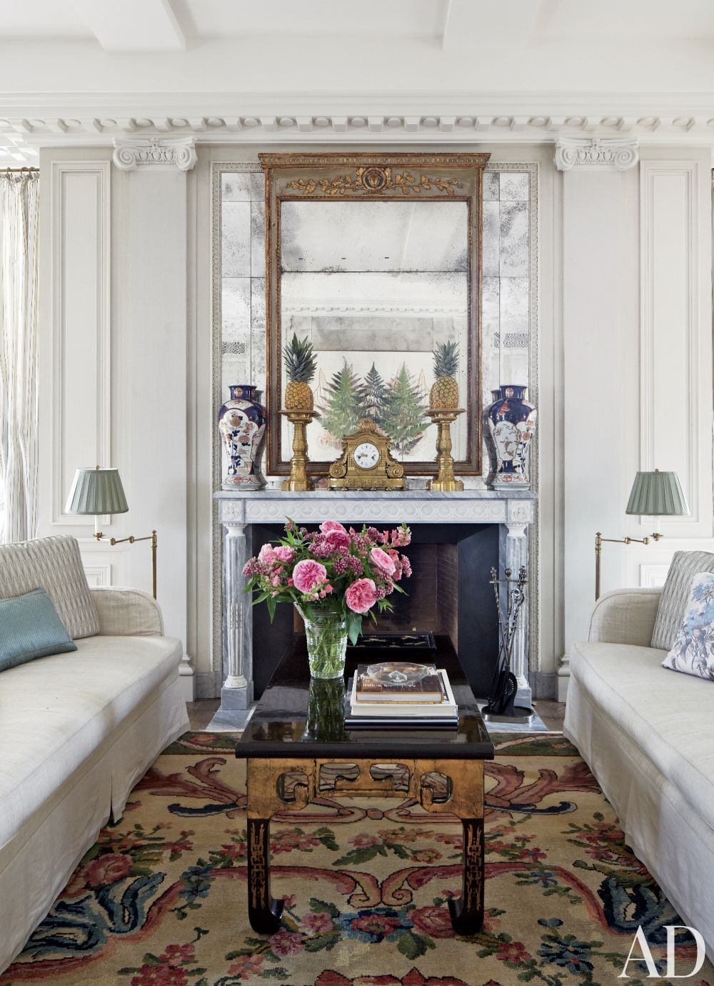 Traditional Living Room by Darryl Carter Inc. and Donald Lococo Architects in Washington, D.C.