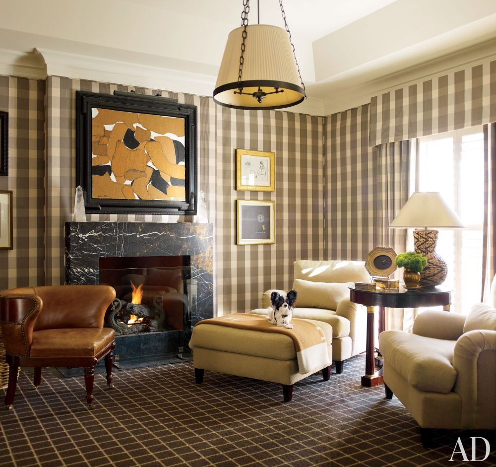 Traditional Living Room by J. Randall Powers in Houston, Texas