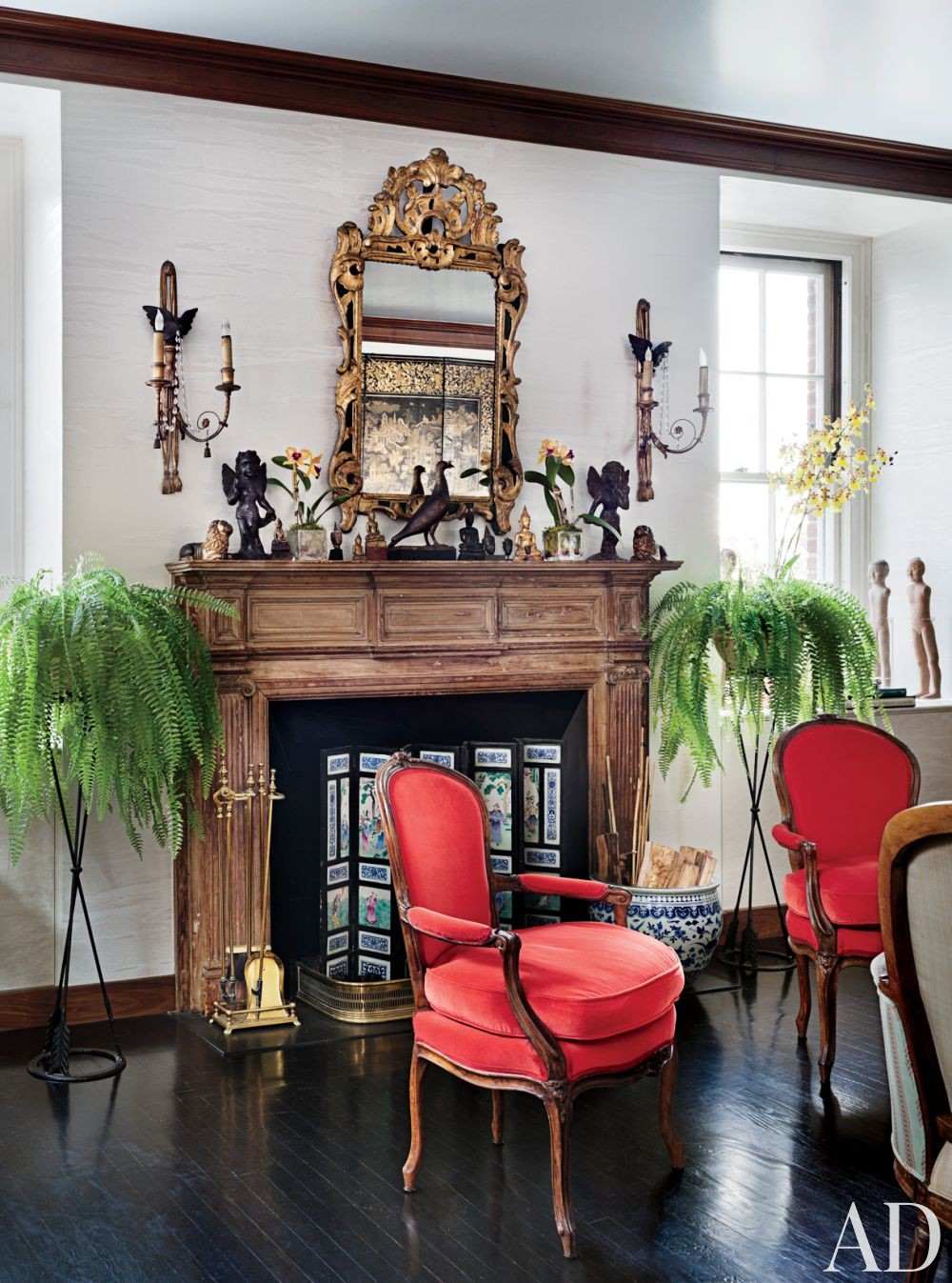 Traditional Living Room by John Yunis Ltd. and Cicognani Kalla Architect in New York, New York