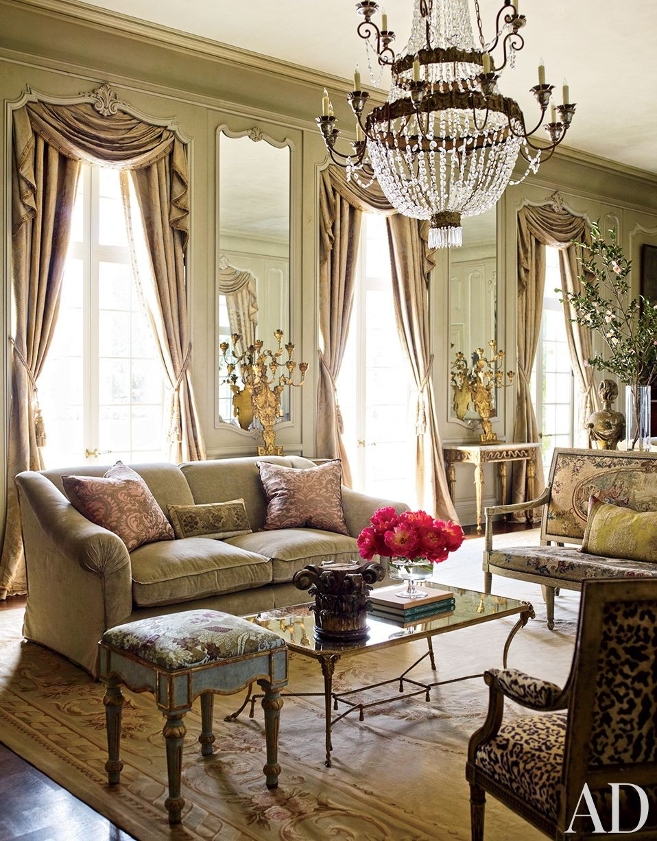 Traditional Living Room by Kara Childress Inc. and Newberry Campa Architects in Houston, Texas