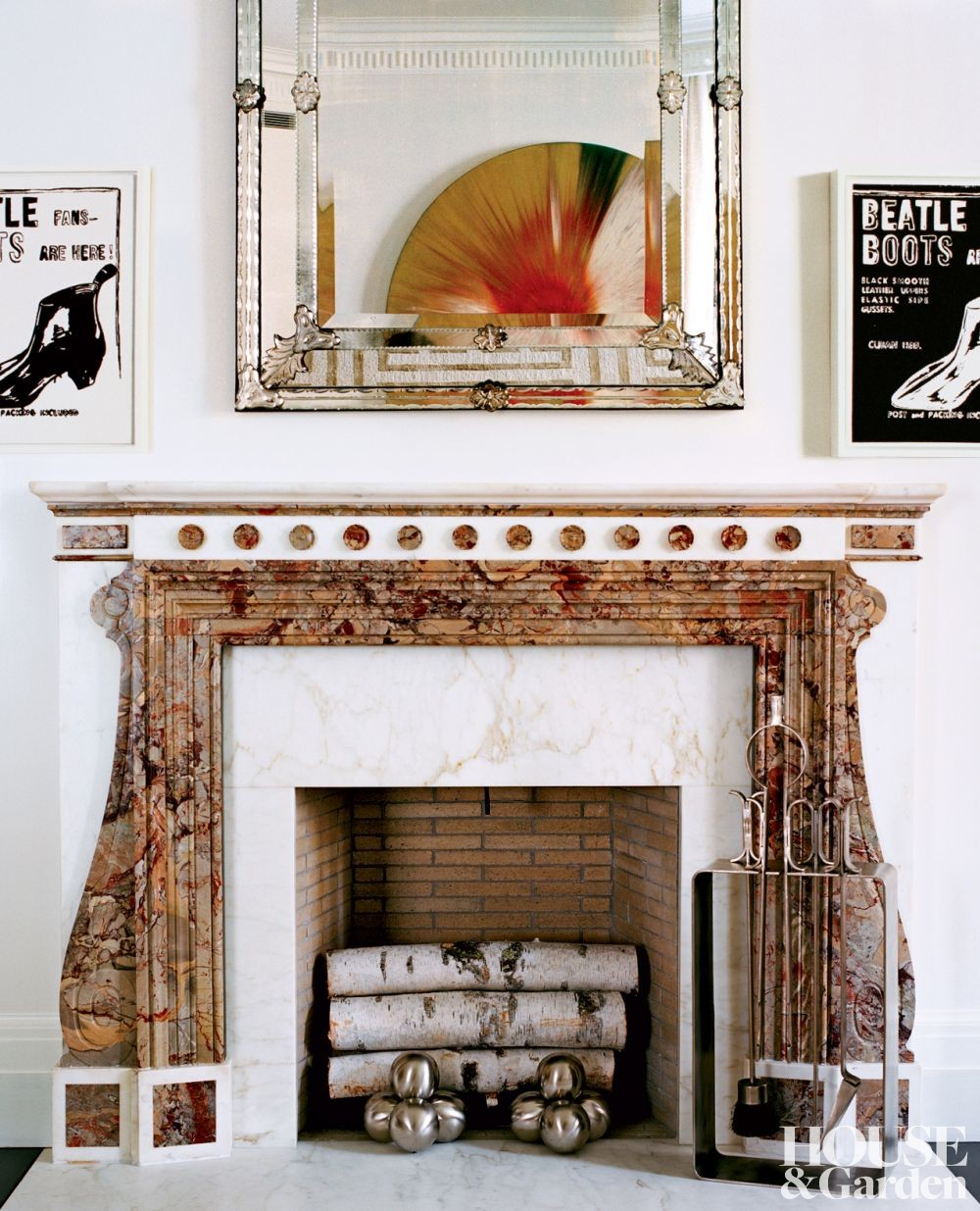 Traditional living room by kevin roberts and timothy for Timothy haynes kevin roberts