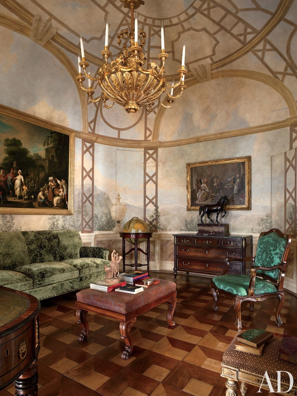 Traditional Living Room by Studio Peregalli in Naples, Italy