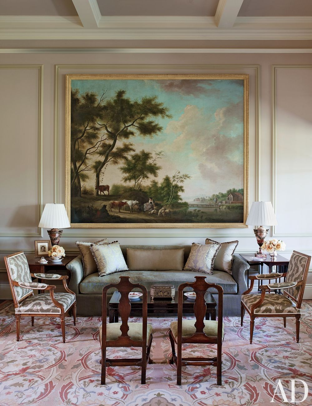 Traditional Living Room by Suzanne Rheinstein and Associates and Ken Linsteadt Architects in California