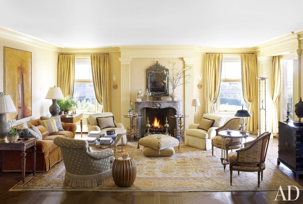 Traditional Living Room by Tucker & Marks and Andrew Skurman Architects in San Francisco, California