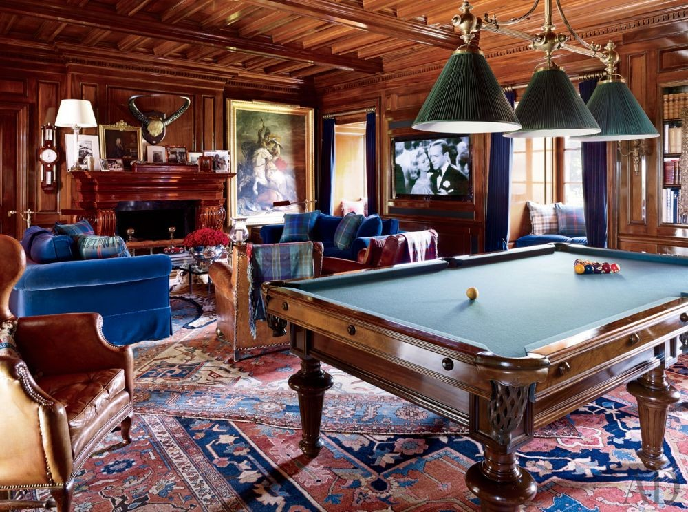 Traditional Media/Game Room in Bedford, New York