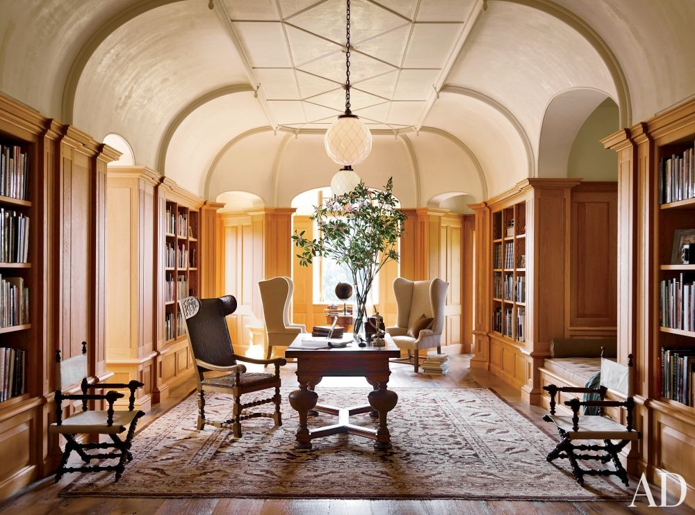 Traditional Office/Library by David Kleinberg Design Associates and Atelier & Co in Philadelphia, Pennsylvania