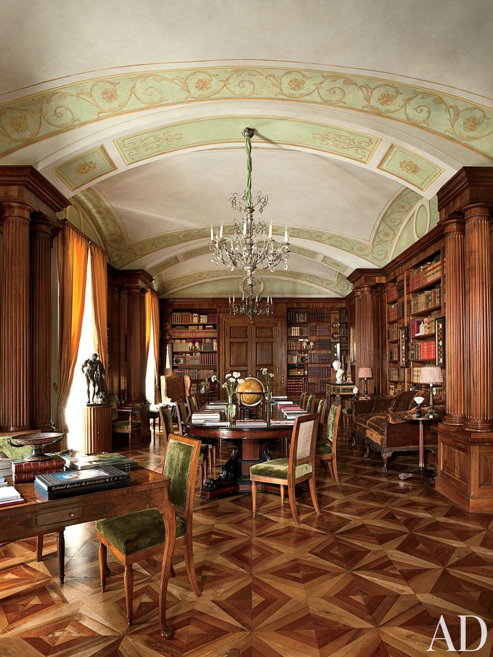 Traditional Office/Library by Studio Peregalli in Naples, Italy