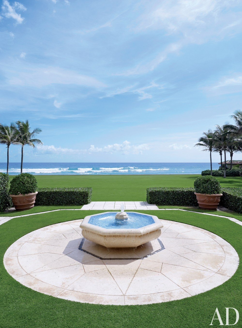 Traditional Outdoor Space by David Easton Inc. and Addison Mizner in Palm Beach, FL
