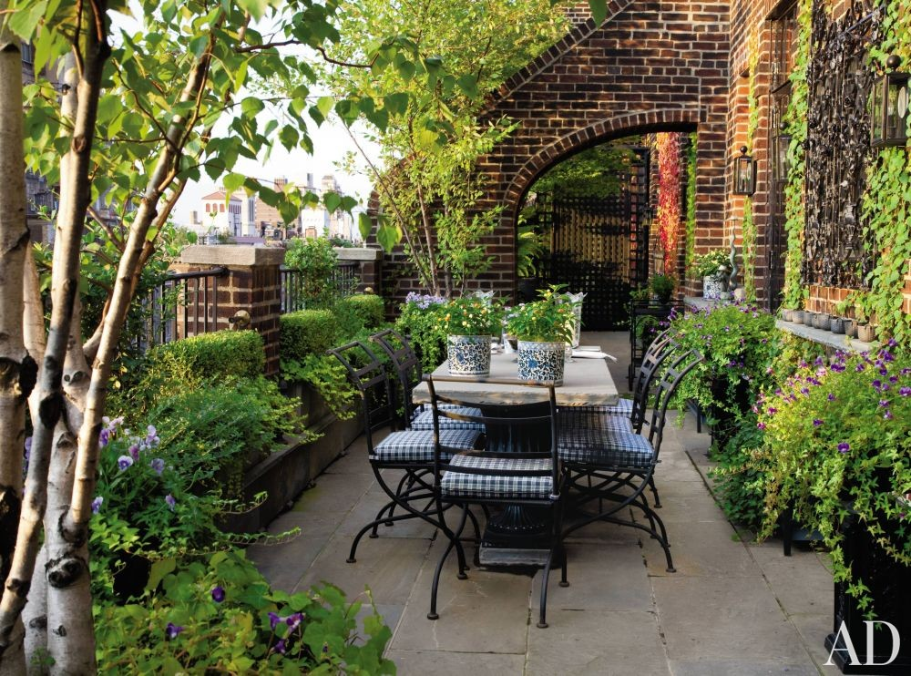 Traditional Outdoor Space by Friederike Kemp Biggs and George W. Sweeney in New York, New York
