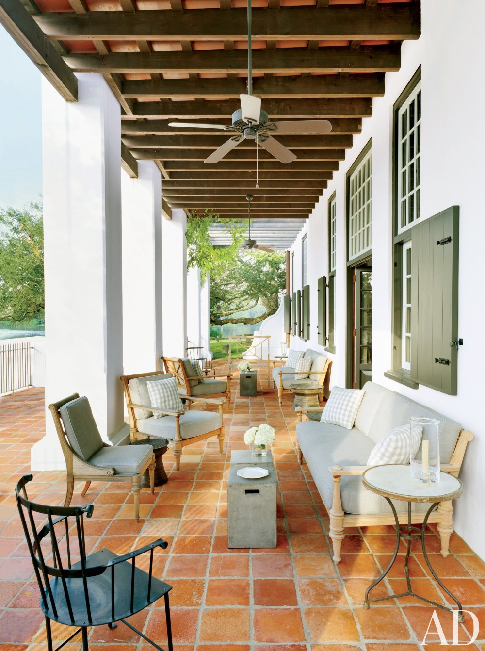 Traditional Outdoor Space by McAline Tankersley Architecture; McAlpine Booth & Ferrier Interiors and McAline Tankersley Architecture; McAlpine Booth & Ferrier Interiors in Baton Rouge, LA