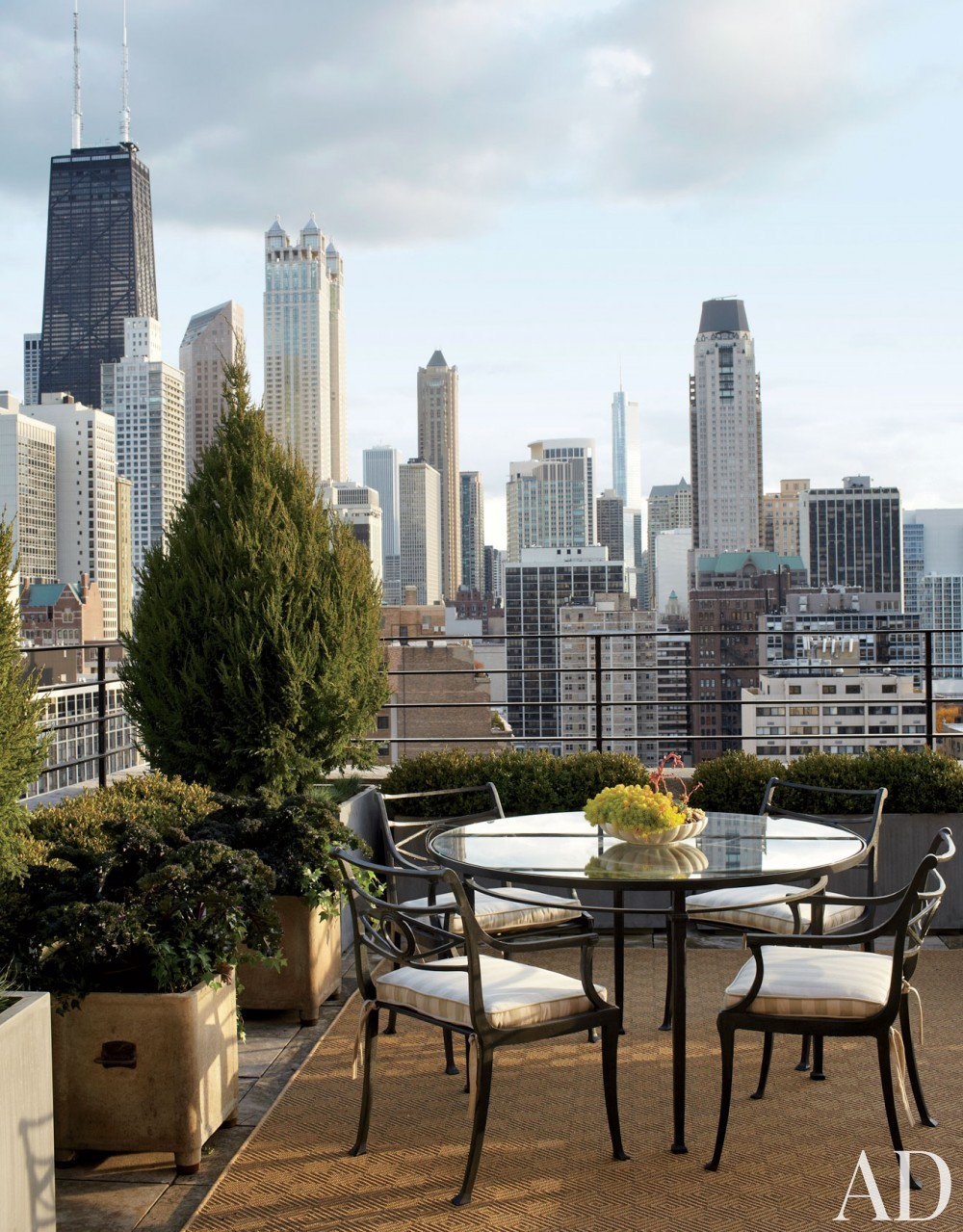 Traditional Outdoor Space by Michael S. Smith Inc. and Marvin Herman & Associates Architects in Chicago, Illinois