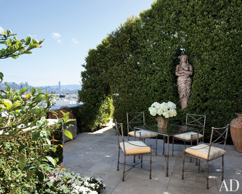 Traditional Outdoor Space and BAR Architects in San Francisco, California