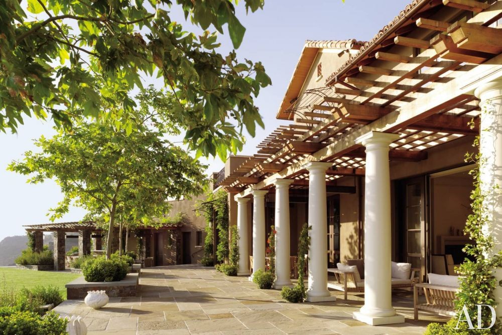Traditional Outdoor Space by The Wiseman Group and B.A.R. Architects in Napa Valley, California