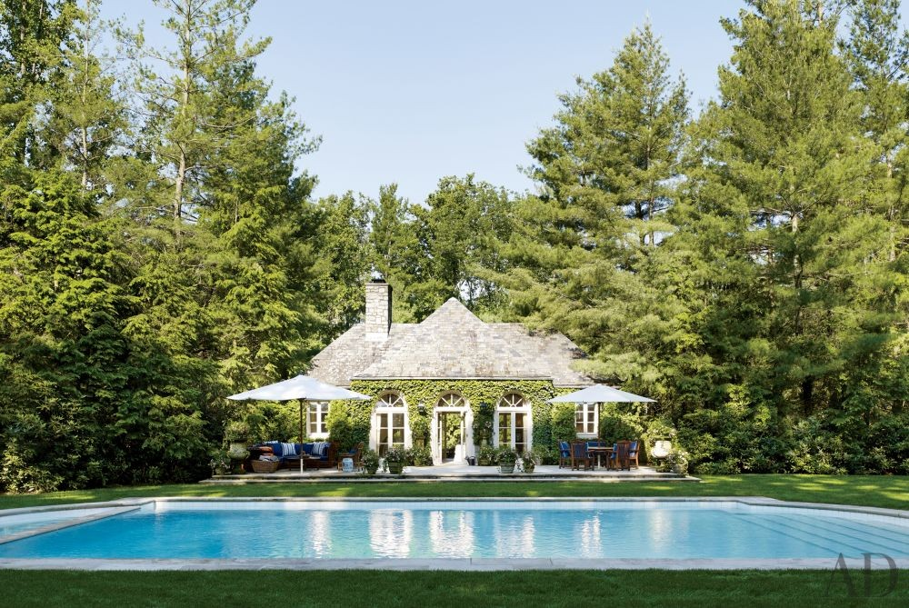 Traditional Pool in Bedford, New York