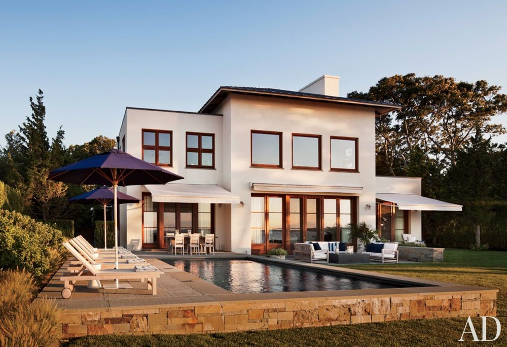 Traditional Pool by Foley & Cox and Frank Greenwald in Sag Harbor, New York