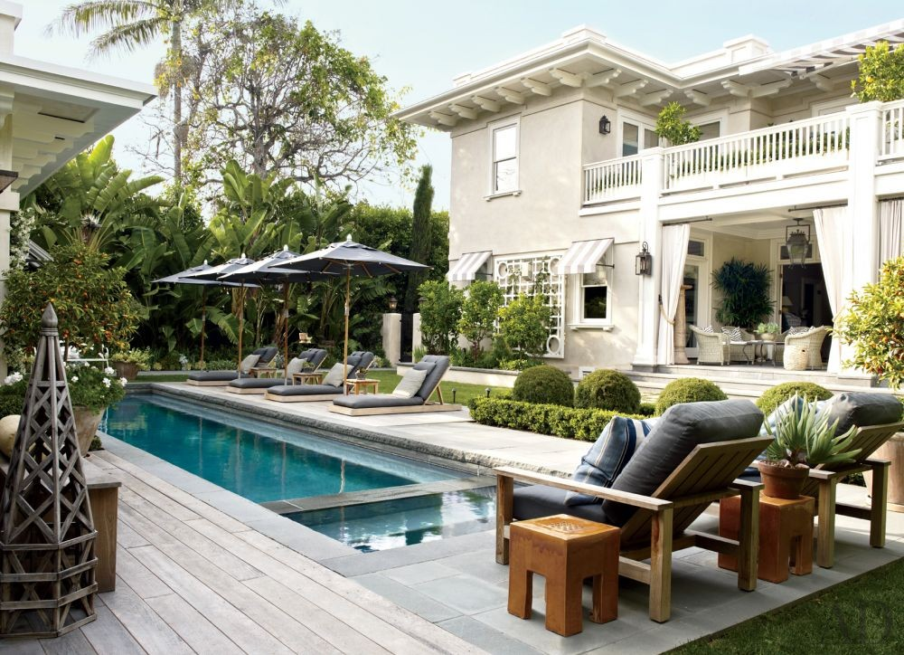 Traditional Pool in Los Angeles, California