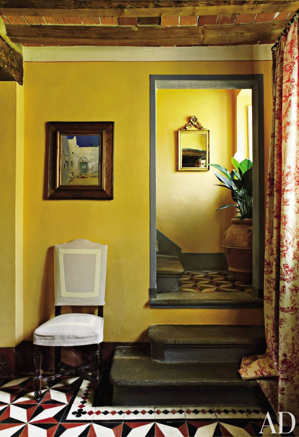 Traditional Staircase/Hallway by Dede Pratesi in Tuscany, Italy