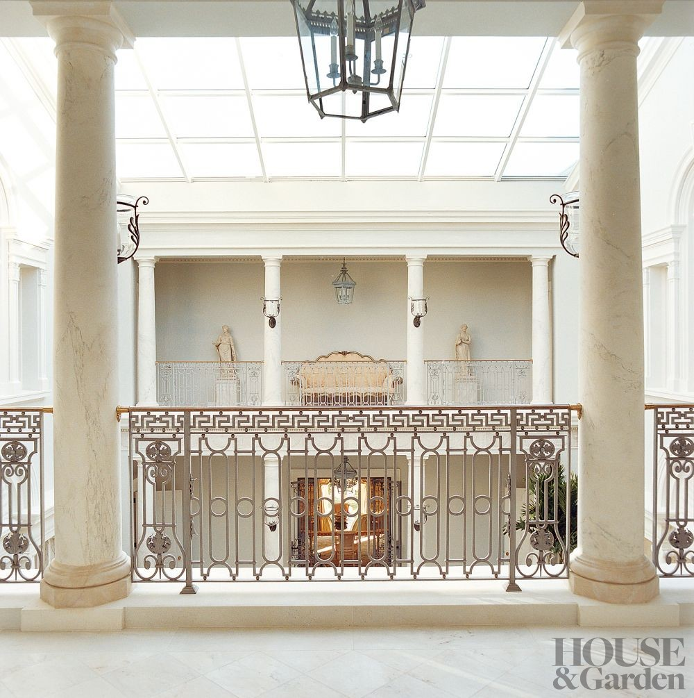 Traditional Interior Design By Ownby: Traditional Staircase/Hallway By Michael Simon Interiors