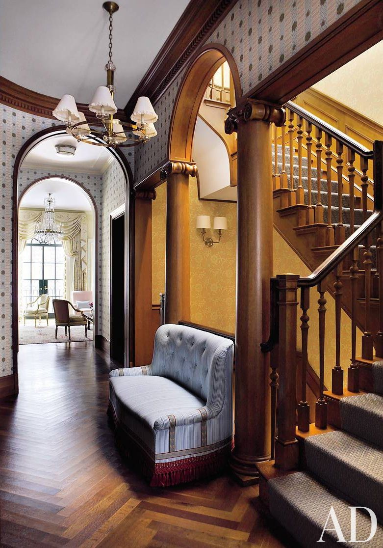 Traditional Staircase/Hallway by Peter Pennoyer Architects and Bilhuber & Associates in New York City