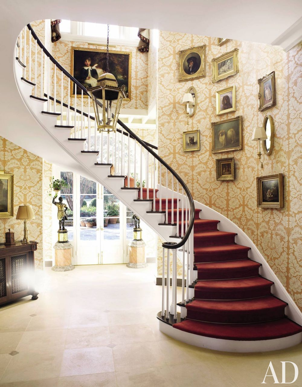 Traditional Staircase/Hallway by Richard Keith Langham, Inc. and Lewis Graeber III & Associates in Hattiesburg, Mississippi