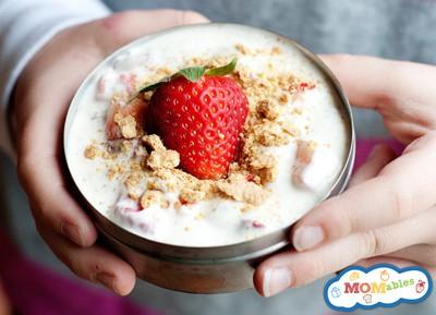strawberry protein parfait