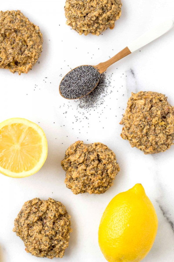 Lemon Poppy Seed Breakfast Cookies...with quinoa, oats, flaxseed and cashew butter! [vegan + gluten-free]