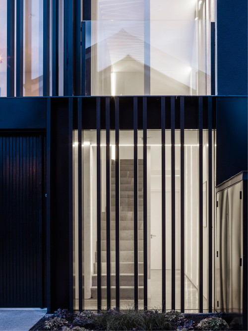 Percy Lane Mews is a minimalist house located in Dublin, Ireland, designed by ODOS architects. (2)