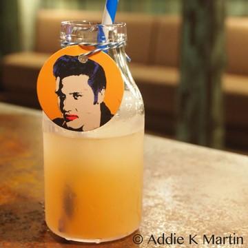 Elvis Presley, a cocktail