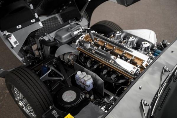 1965 Jaguar E-Type Series 1 12